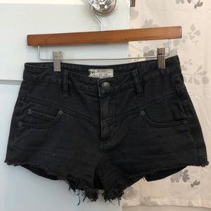 FREE PEOPLE🌹 Black Jean Shorts